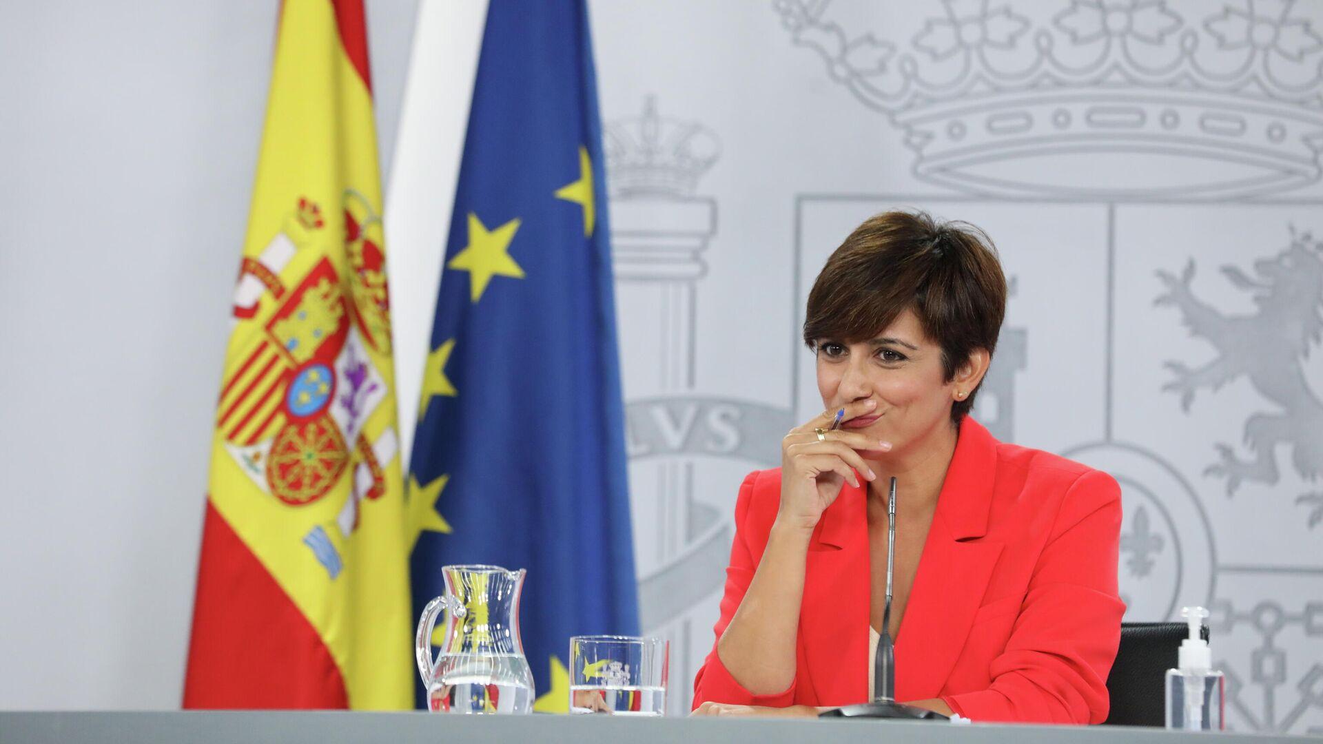 La ministra Portavoz, Isabel Rodríguez, interviene en una rueda de prensa posterior al Consejo de Ministros, a 24 de agosto de 2021, en La Moncloa, Madrid - Sputnik Mundo, 1920, 24.08.2021