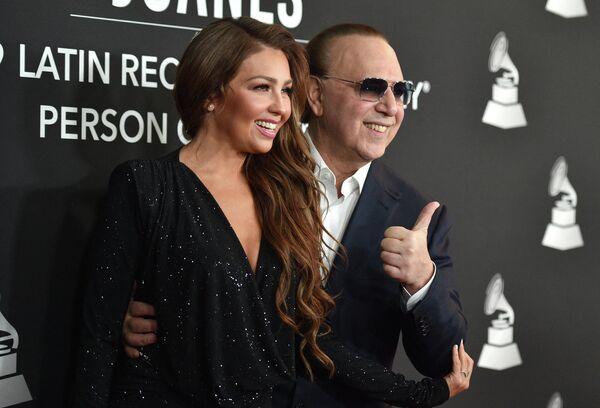 En 2000, Thalía se casó con el empresario de la industria musical Tommy Mottola. Tienen dos hijos: Sabrina Sakae, nacida en 2007, y Matthew Alejandro (2011). - Sputnik Mundo