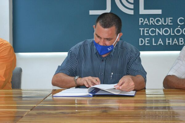 Firma del acuerdo entre Elekktrica y Stixcp y el Parque Tecnológico de La Habana - Sputnik Mundo