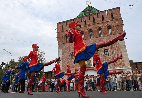 Participantes del festival de orquestas, en el marco de la celebración del 800 aniversario de la ciudad de Nizhni Nóvgorod (Rusia). - Sputnik Mundo