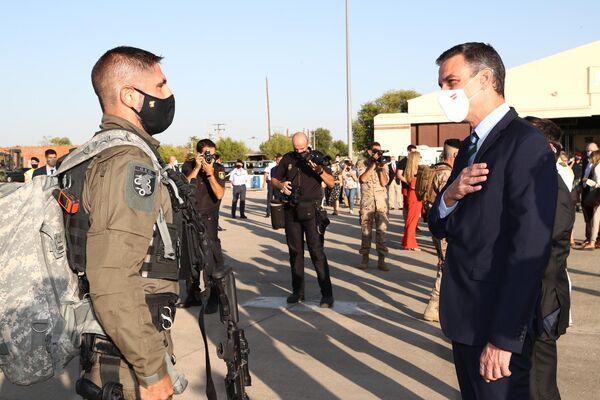 La llegada del avión con evacuados de Kabul a la base militar de Torrejón de Ardoz  - Sputnik Mundo