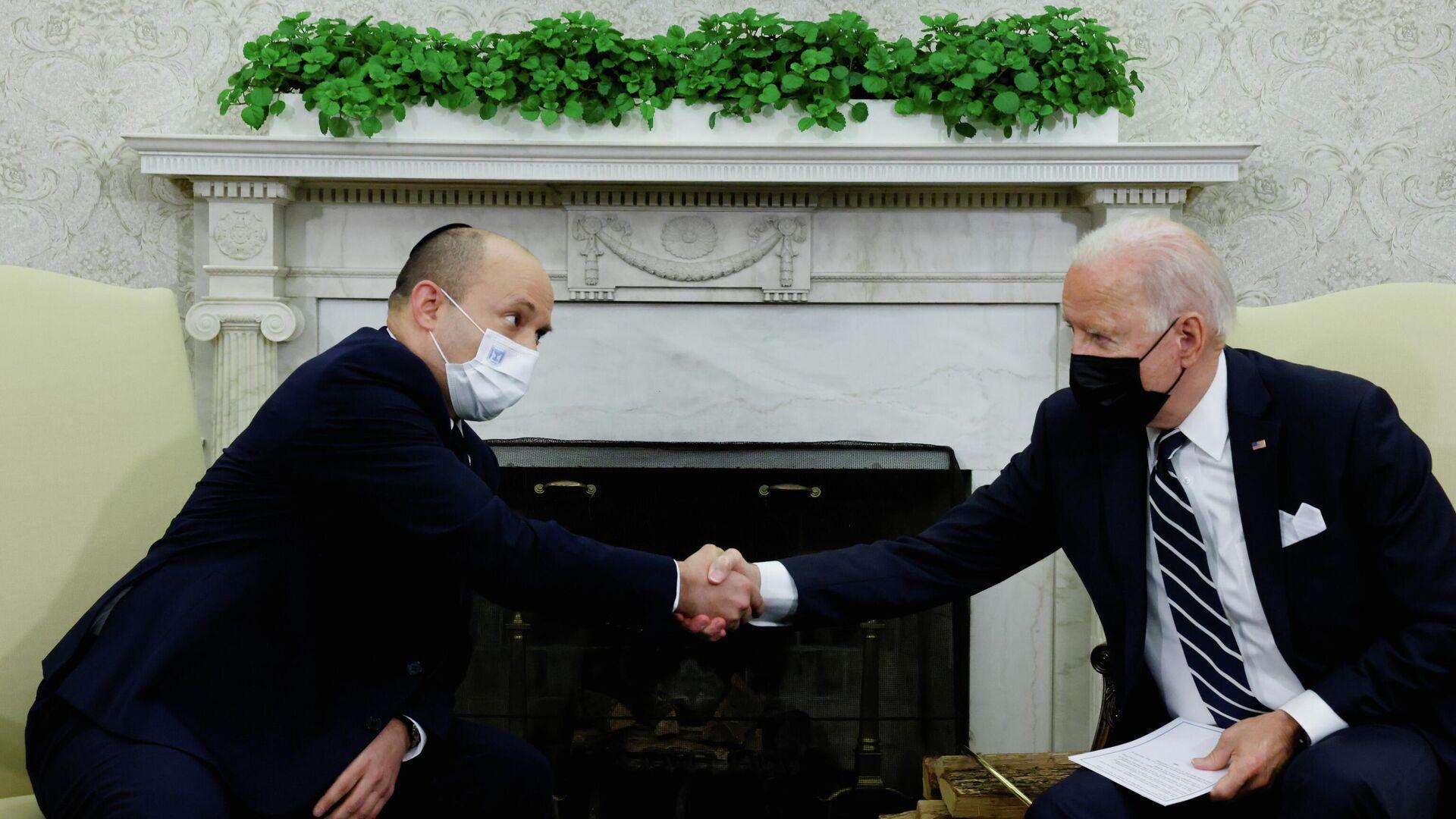 El primer ministro israelí, Naftali Bennett, y el presidente de EEUU, Joe Biden - Sputnik Mundo, 1920, 29.08.2021