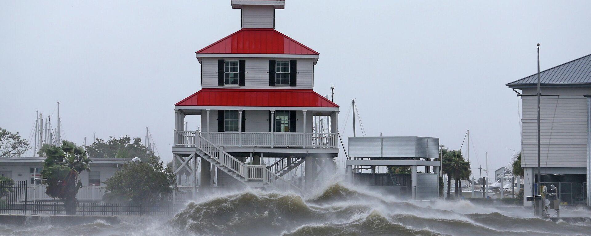 El huracán Ida golpea la costa de Nueva Orleans, 29 de agosto de 2021 - Sputnik Mundo, 1920, 29.08.2021