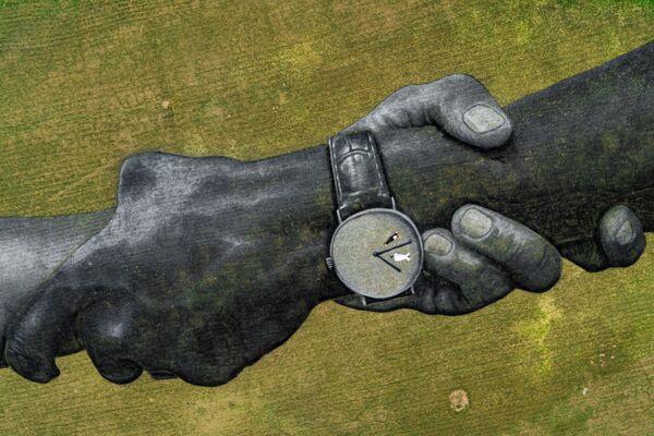 Una de las seis pinturas biodegradables de Saype frente a la Basílica de Nuestra Señora de la Paz de Yamusukro (Costa de Marfil), el 2020. El área total de las pinturas es de 18.000 metros cuadrados - Sputnik Mundo