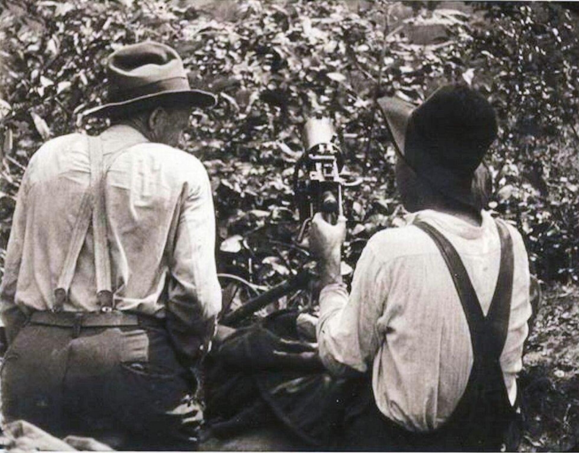 Mineros rebeldes con una ametralladora de Virginia Occidental - Sputnik Mundo, 1920, 02.09.2021