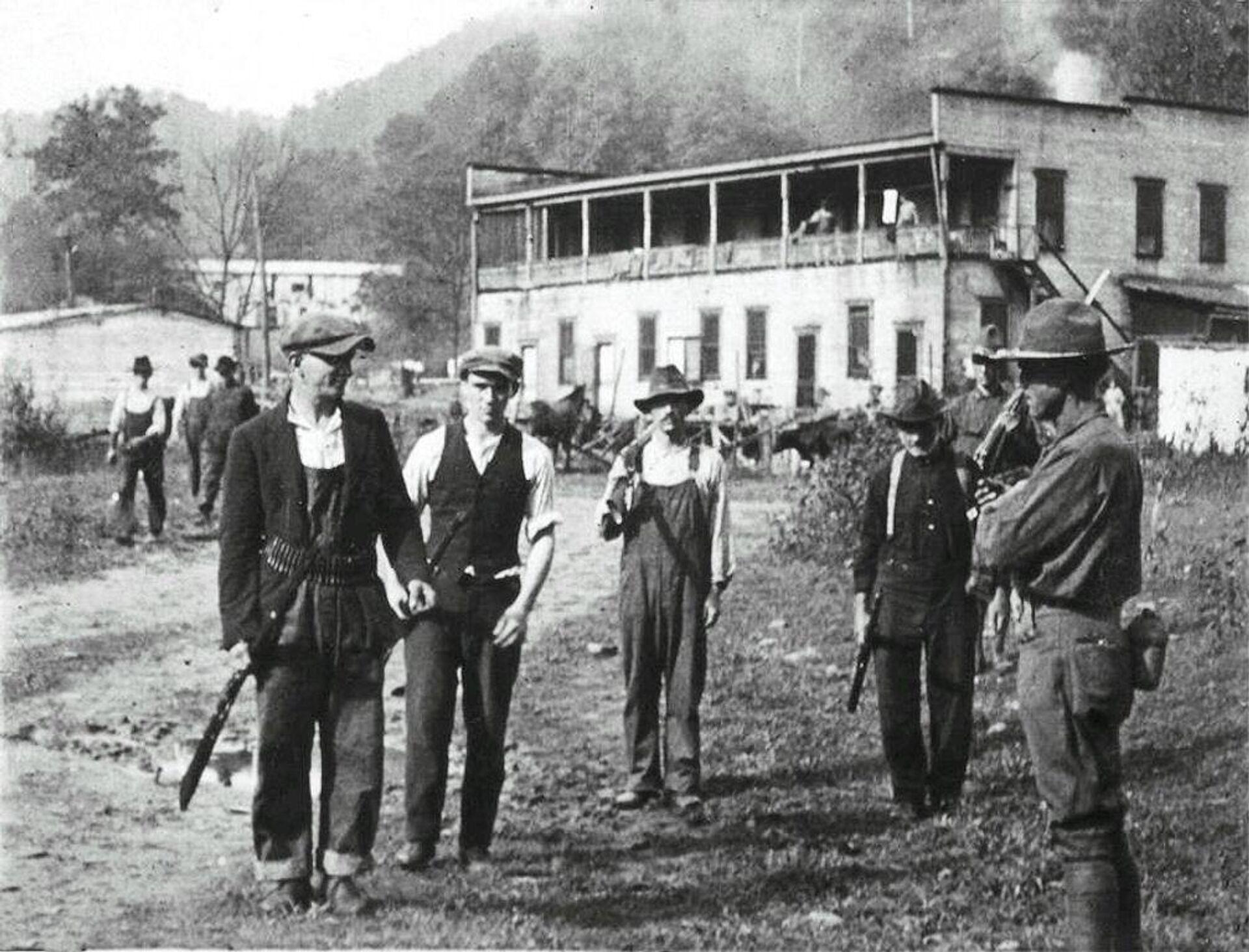 Mineros rebeldes de Virginia Occidental se rinden al Ejército de EEUU - Sputnik Mundo, 1920, 02.09.2021