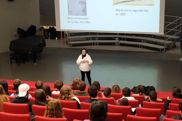 María Bueno en conferencia en Ginebra - Sputnik Mundo