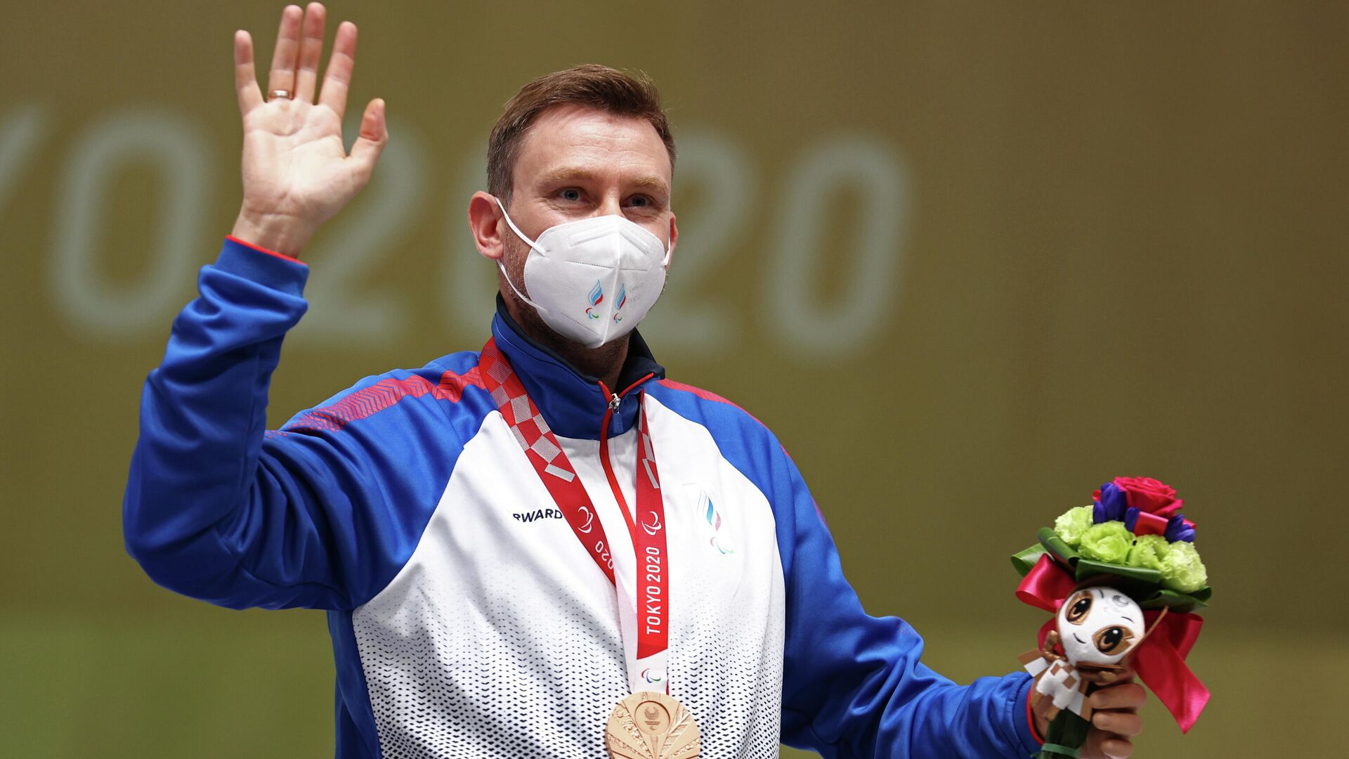 El medallista de bronce Sergey Malyshev del Comité Paralímpico Ruso  - Sputnik Mundo, 1920, 05.09.2021