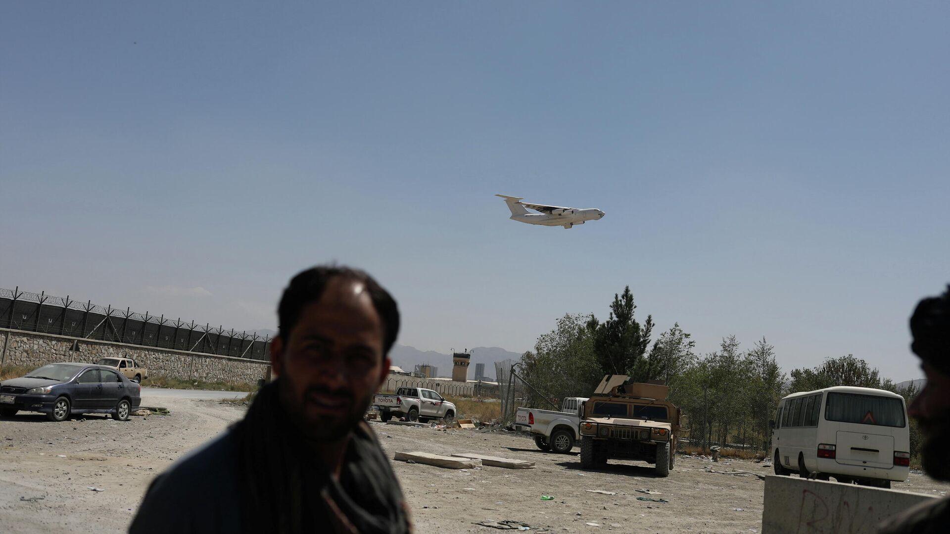 Un avión de carga despega en Kabul, Afganistán, el 5 de septiembre de 2021 - Sputnik Mundo, 1920, 05.09.2021