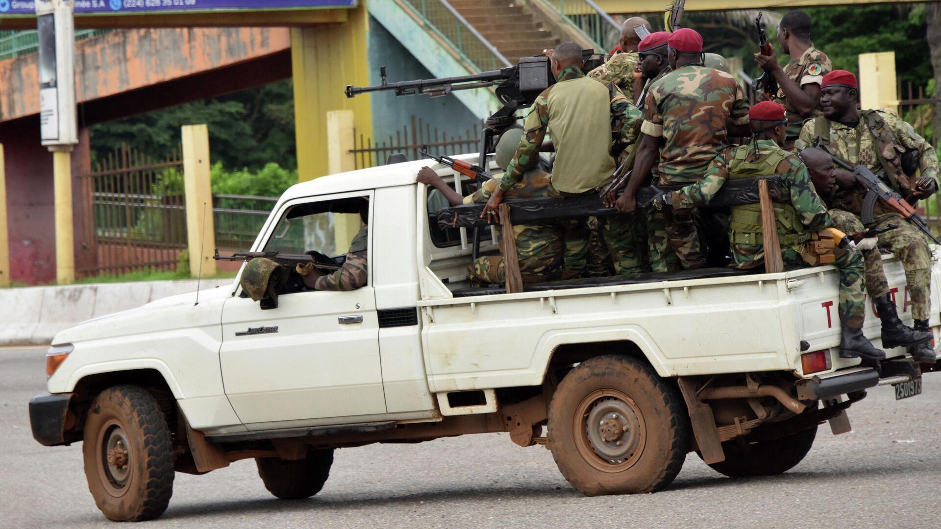 Soldados de las Fuerzas Armadas de Guinea durante el golpe de Estado en Conakry, el 5 de septiembre del 2021 - Sputnik Mundo, 1920, 05.09.2021