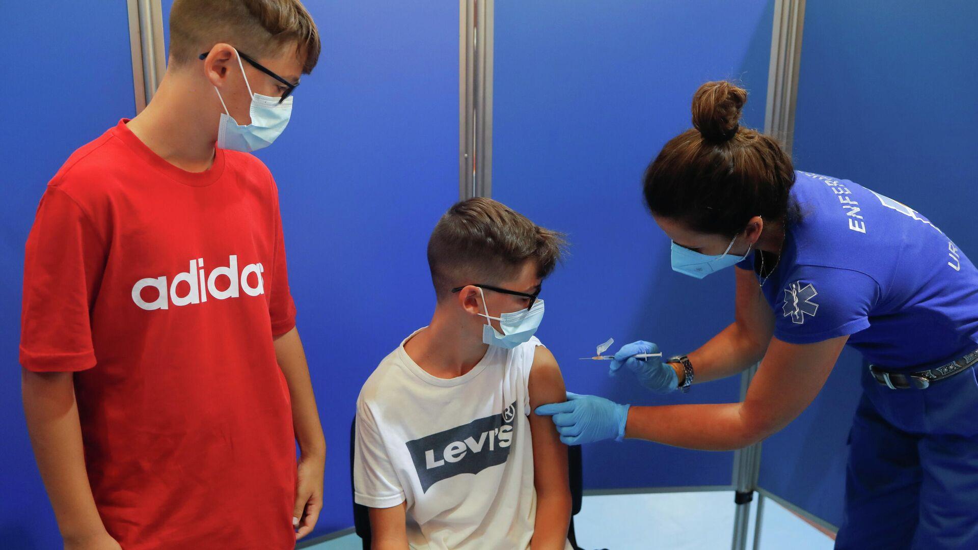 Vacunación de los escolares en España - Sputnik Mundo, 1920, 06.09.2021