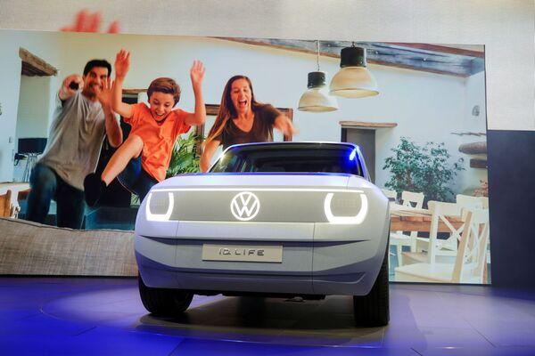 Volkswagen también logrósorprender durante la IAA 2021 con su modelo eléctrico ID. Life. - Sputnik Mundo