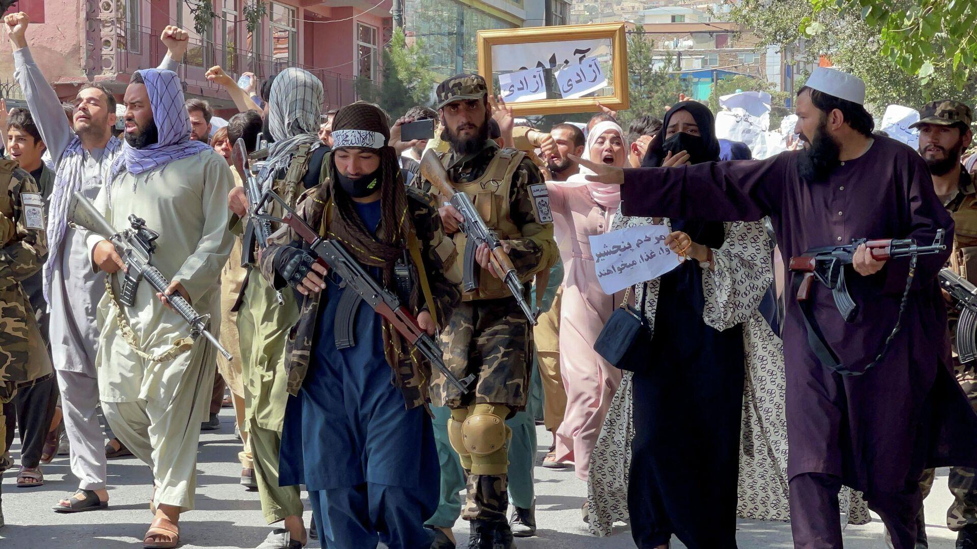 Los talibanes en Afganistán - Sputnik Mundo, 1920, 07.09.2021