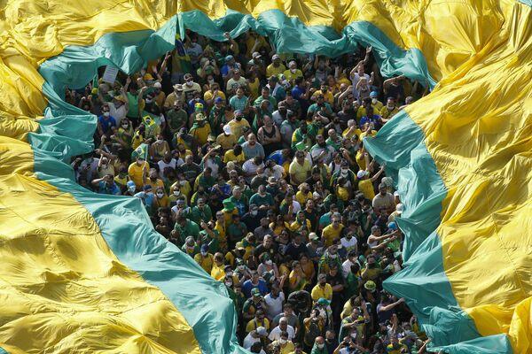 Una manifestación a favor del presidente de Brasil, Jair Bolsonaro, el Día de la Independencia de Brasil. - Sputnik Mundo