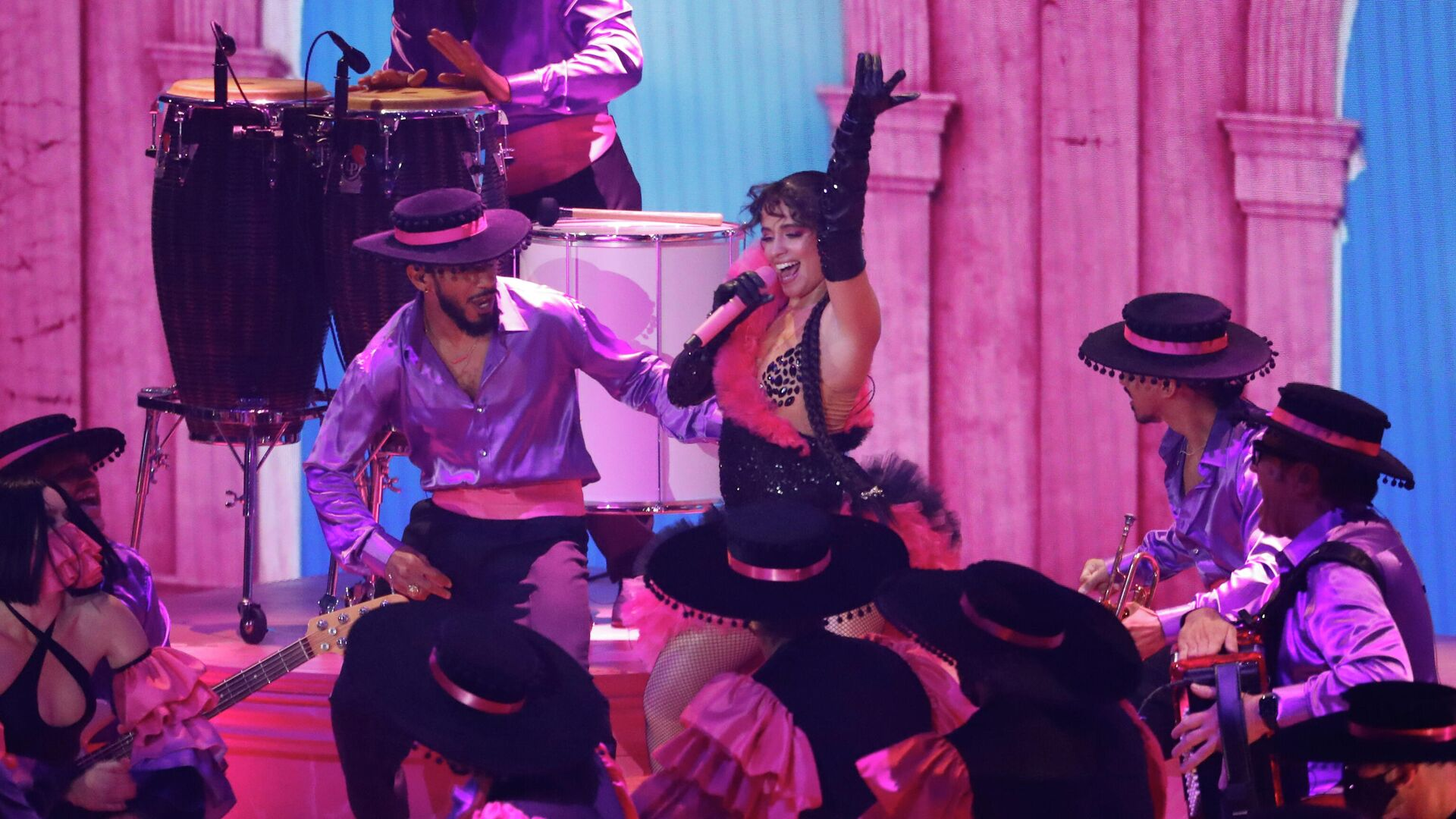 Camila Cabello en MTV Video Music Awards show - Sputnik Mundo, 1920, 13.09.2021
