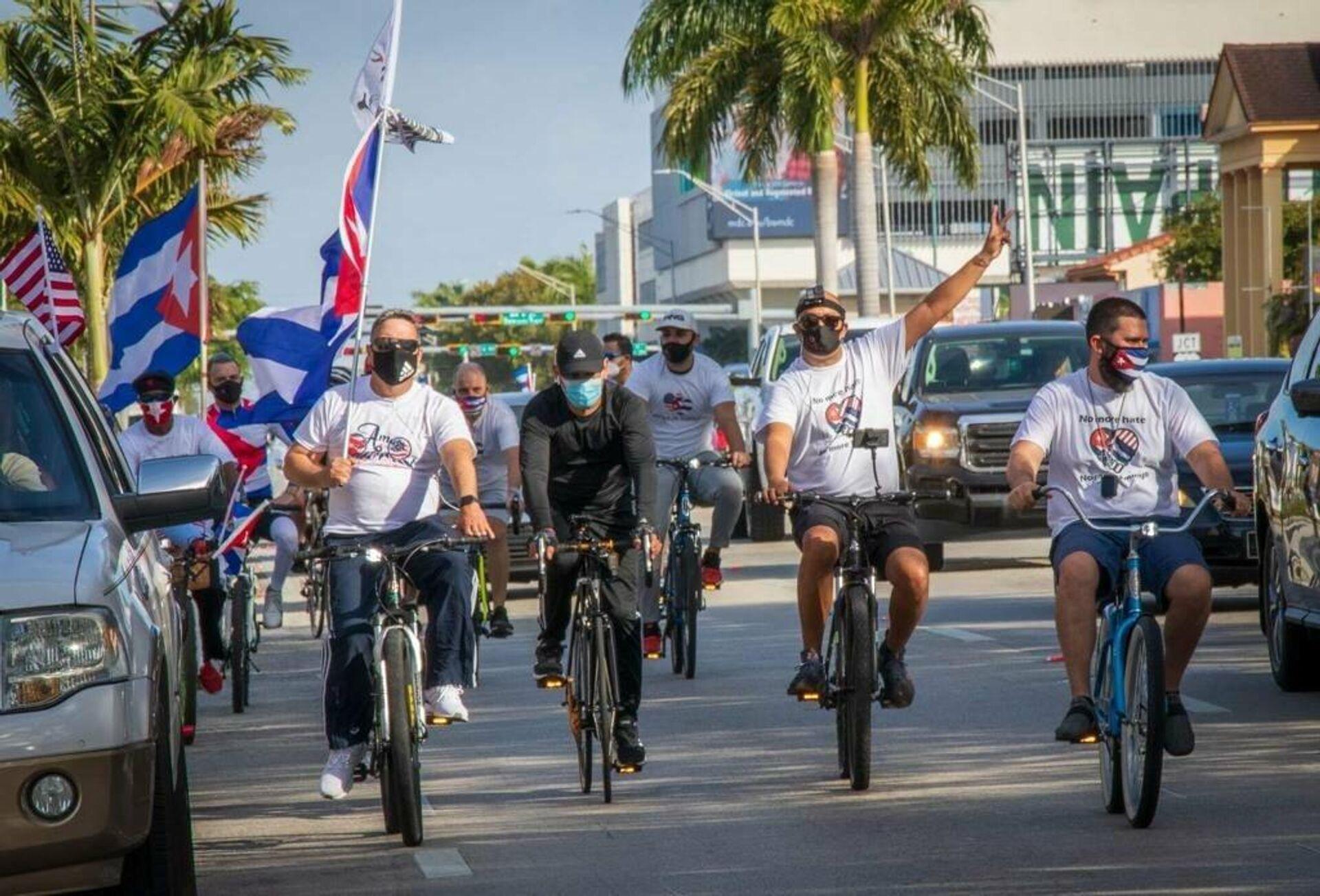 Bicicleteada contra el bloqueo de EEUU a Cuba - Sputnik Mundo, 1920, 13.09.2021