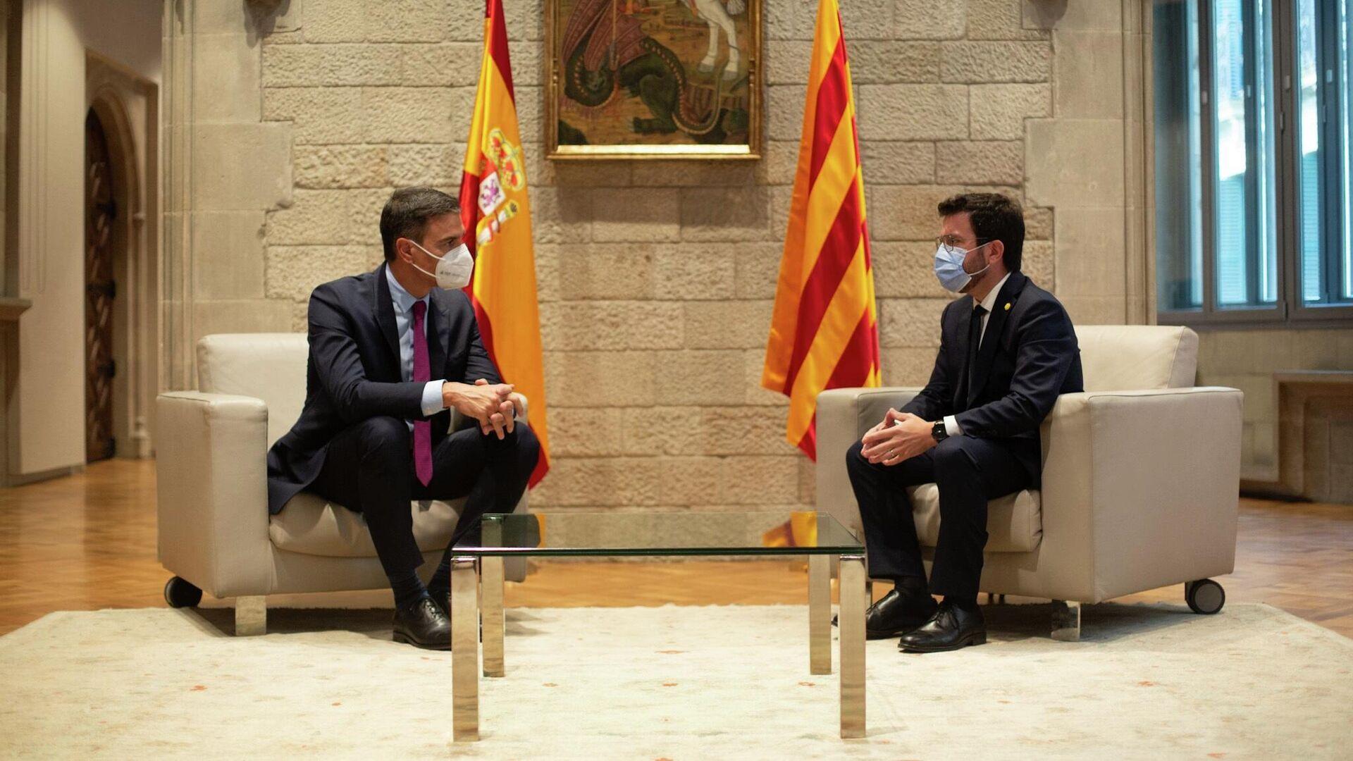 El presidente del Gobierno, Pedro Sánchez, reunido con el presidente de la Generalitat, Pere Aragonès - Sputnik Mundo, 1920, 15.09.2021