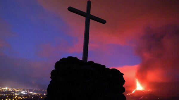 La erupción del volcán en La Palma, en Las Islas Canarias - Sputnik Mundo