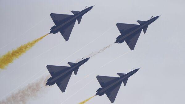 Пилотажная группа August 1st НОАК на Airshow China в Чжухае, Китай - Sputnik Mundo