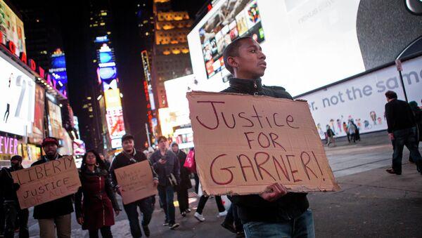 Manifestación en Nueva York contra la violencia policial - Sputnik Mundo