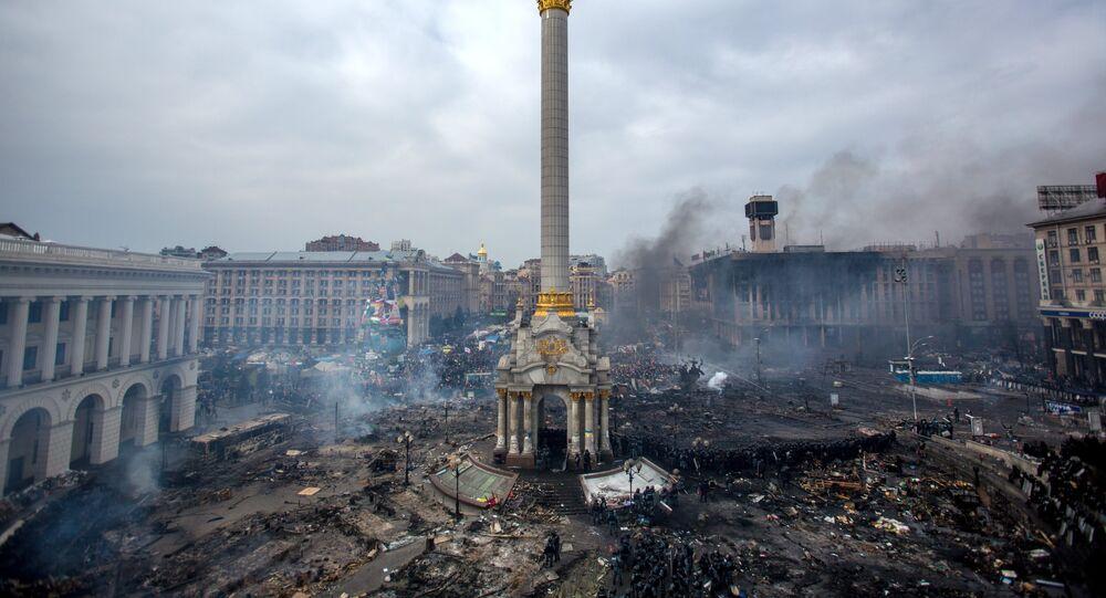Partidarios de la oposición en la plaza Maidán, de Kíev, donde se produjeron enfrentamientos entre manifestantes y policías