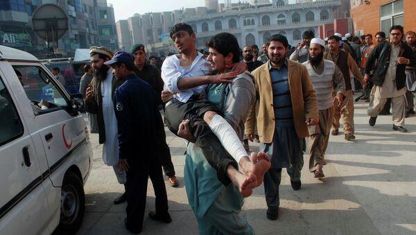 Pakistán guardará tres días de luto a raíz del ataque contra una escuela de Peshawar - Sputnik Mundo