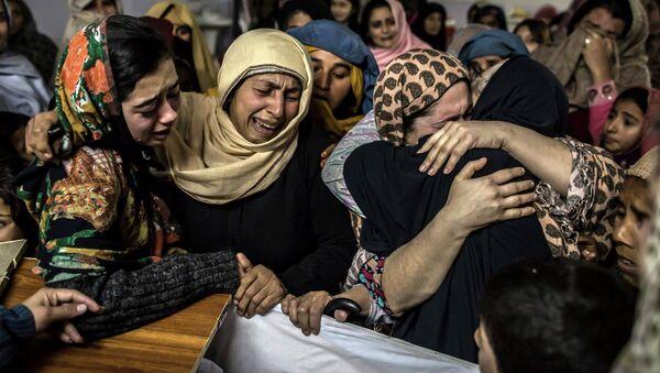 Ataque terrorista en una escuela paramilitar de la ciudad de Peshawar - Sputnik Mundo