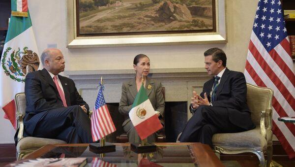 Reunión presidente de México Enrique Peña con el Secretario de Seguridad Interna de EEUU Jeh Johnson - Sputnik Mundo