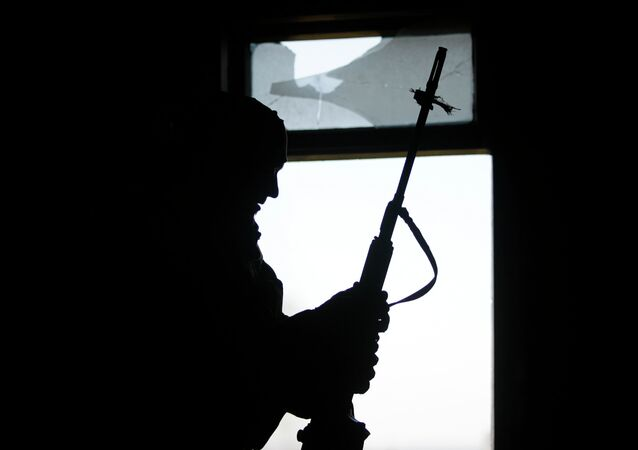 Hombre con un rifle