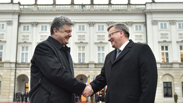 Presidente de Ucrania, Petró Poroshenko y presidente de Polonia, Bronislaw Komorowski - Sputnik Mundo