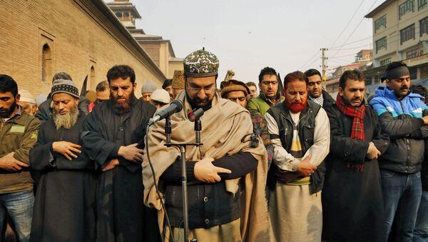Se ruegan por los asesinados en ataque talibán contra escuela en Peshawar - Sputnik Mundo
