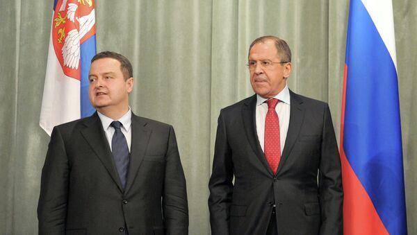 Ivica Dacic, ministro de Asuntos Exteriores de Serbia y Serguéi Lavrov, ministro de Asuntos Exteriores de Rusia - Sputnik Mundo
