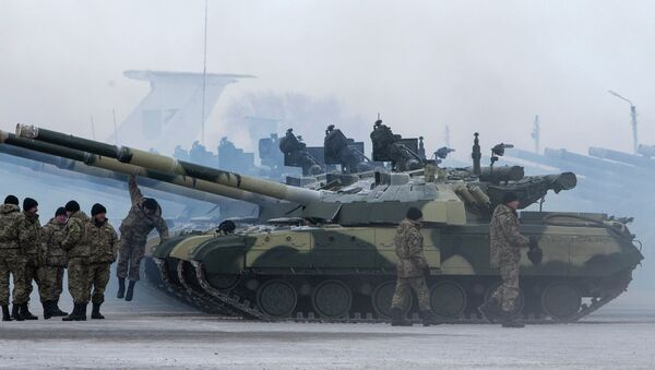 Ejército de Ucrania recibe nuevos tanques (archivo) - Sputnik Mundo
