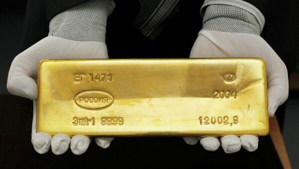 Los rusos se refugian en oro en medio de altibajos financieros - Sputnik Mundo