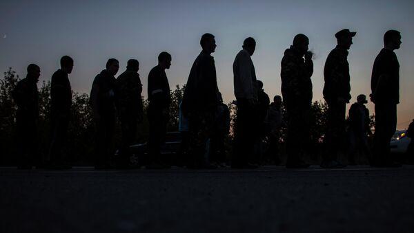Kiev dice que unos 300 ucranianos siguen prisioneros en Donbás - Sputnik Mundo
