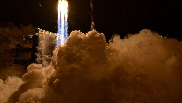 Primer lanzamiento del cohete pesado ruso Angará-A5 - Sputnik Mundo
