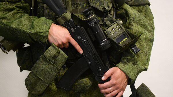 Diputado propone enviar equipo militar ruso a Donbás si EEUU da armas letales a Kiev - Sputnik Mundo