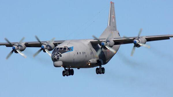 Avión de carga An-12 (Archivo) - Sputnik Mundo