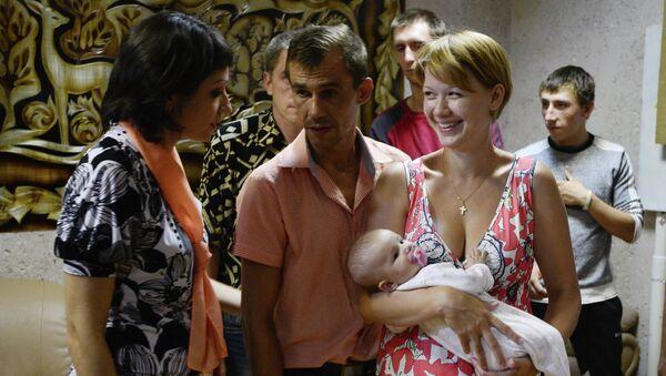 Refugiados de Ucrania en el centro de apoyo social Zarya en Rusia - Sputnik Mundo