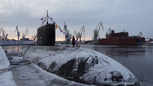 La Armada de Rusia recibe un nuevo submarino diésel-eléctrico - Sputnik Mundo