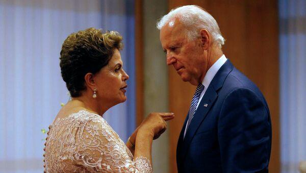 Presidenta de la República de Brasil, Dilma Rousseff y vicepresidente de EEUU, Joe Biden - Sputnik Mundo