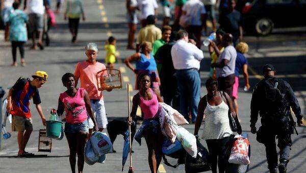 Nueva polémica en Río de Janeiro por la subida del precio de los autobuses públicos - Sputnik Mundo