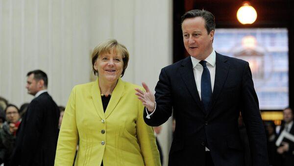 Canciller de Alemania, Angela Merkel y primer ministro de Reino Unido, David Cameron - Sputnik Mundo