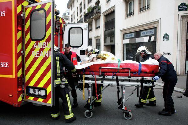 Ataque contra el semanario satírico Charlie Hebdo en París - Sputnik Mundo