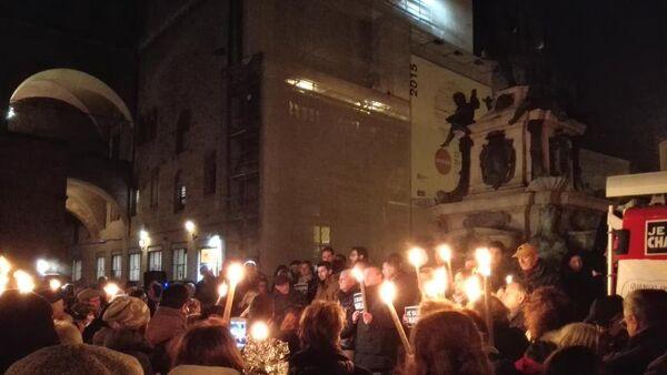 Musulmanes de Bolonia rinden homenaje a las víctimas del atentado en París - Sputnik Mundo