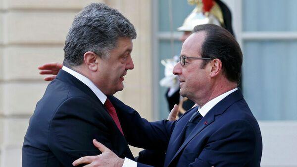 Presidente de Ucrania, Petró Poroshenko y presidente de Francia, Francois Hollande - Sputnik Mundo