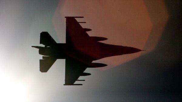 Avión F-16 (archivo) - Sputnik Mundo