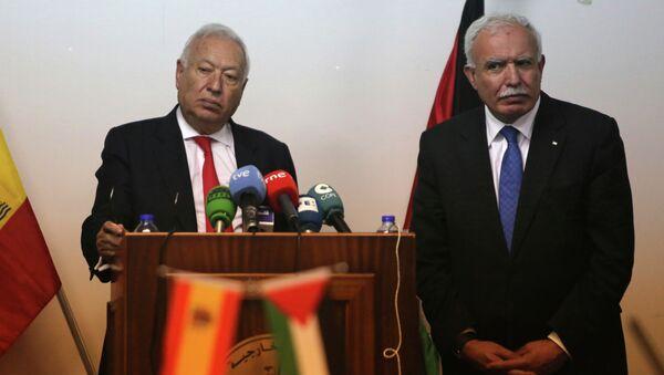 Ministro de Exteriores y Cooperación de España, José Manuel García-Margallo y su homólogo palestino, Riad Malki - Sputnik Mundo