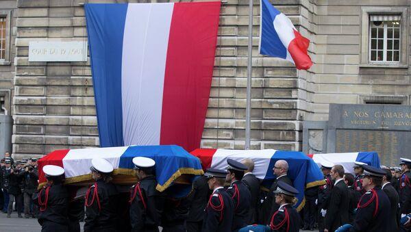 Despedida de las víctimas de los actos terroristas de París - Sputnik Mundo