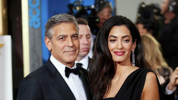 George y Amal Clooney - Sputnik Mundo